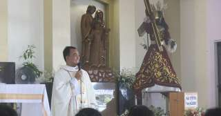 Devotees welcome Black Nazarene in Tagum