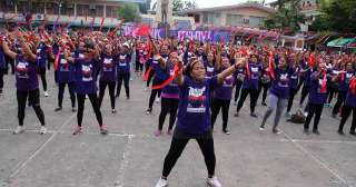 Valentine's Day celeb: Women rally for 'One Billion Rising' in Davao