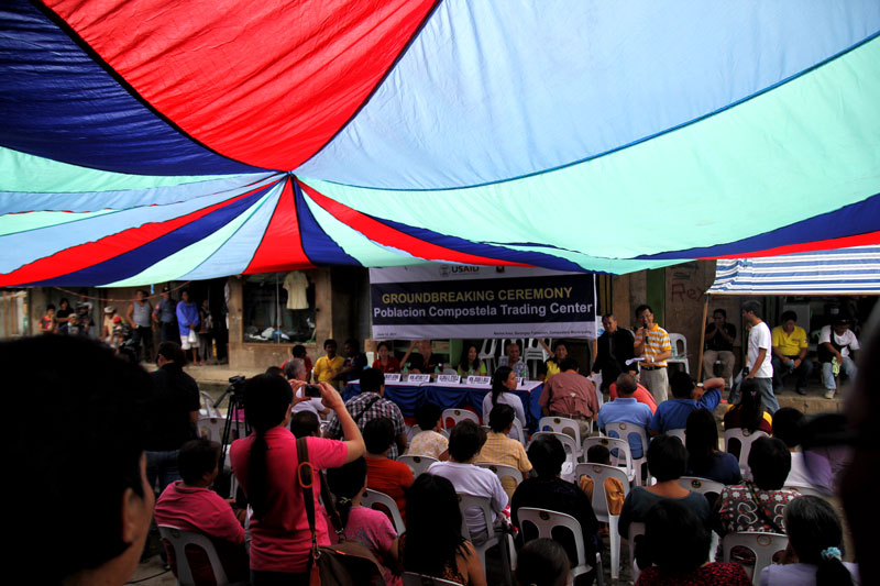 Groundbreaking ceremony  for 'Bagsakan' project.  (davaotoday.com photo by Ace R. Morandante)
