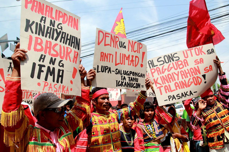Manobo tribe says Army looks for rebs in tribal village, scares schoolchildren