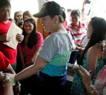 SARA SURPRISES BARANGAY HOPEFULES