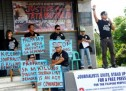 Man shot by motorcycle-riding gunmen as media hold demonstration rally vs. 'senseless' killings